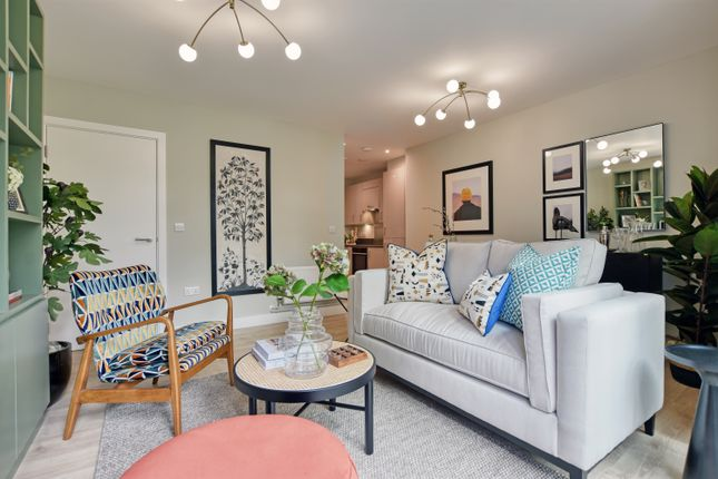1 bedroom flat for sale in 14 Brondesbury Park, London