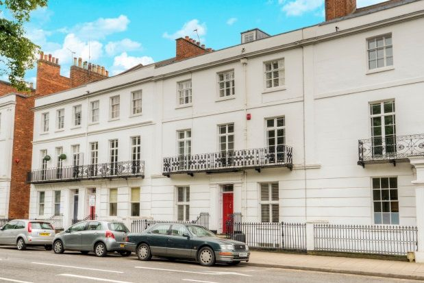 Thumbnail Room to rent in Clarendon Square, Leamington Spa