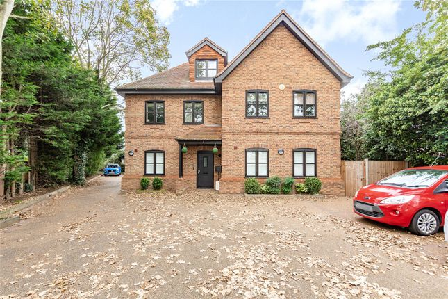 1 bed flat for sale in Upper Brentwood Road, Gidea Park RM2