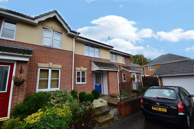 Thumbnail Terraced house to rent in Fitzroy Close, Bracknell, Berkshire