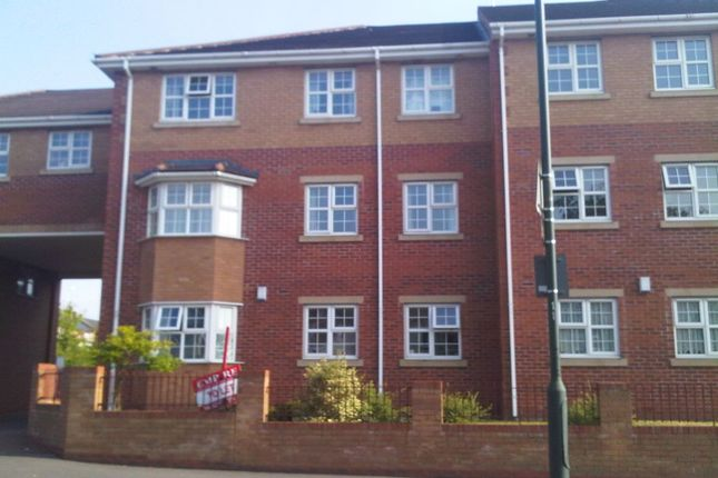 Thumbnail Flat to rent in Longfellow Road, Stoke, Coventry