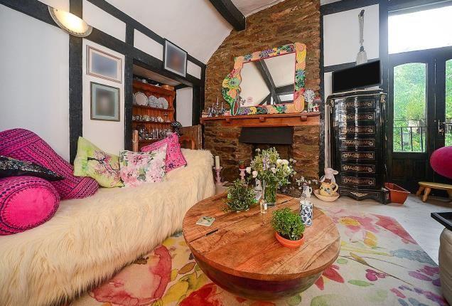 Lounge Area of Totnes, Devon TQ9