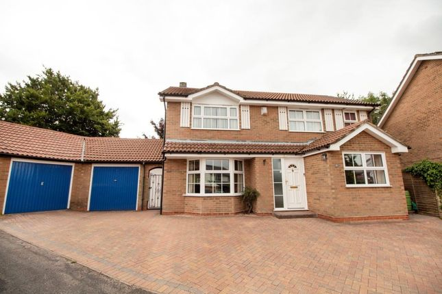 Thumbnail Detached house for sale in Mallard Close, Basingstoke