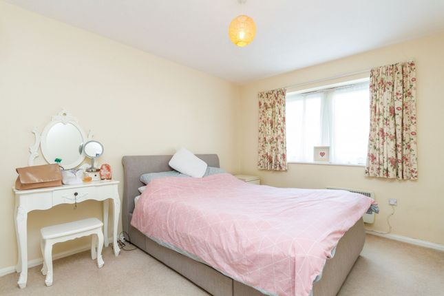 Bedroom 1 of Woodlands Avenue, Rustington, Littlehampton BN16