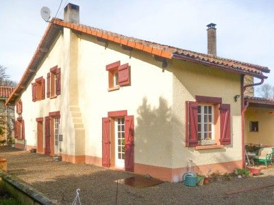 3 bed property for sale in Saulgond, Charente, France