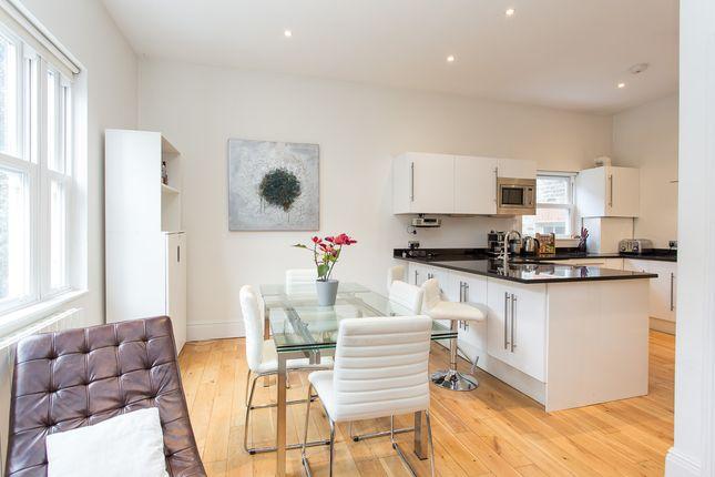 Thumbnail Flat to rent in Oxford Gardens, North Kensington, London