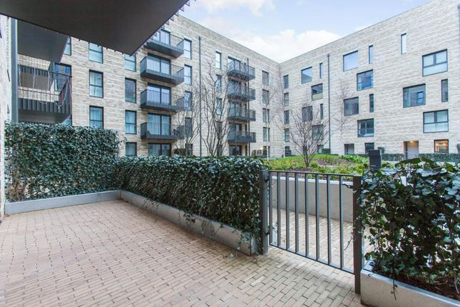 Thumbnail Flat to rent in Kingfisher Heights, London