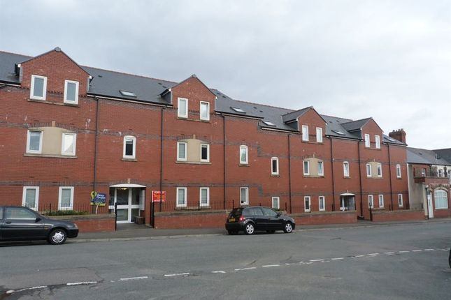 Thumbnail Flat to rent in Gwennyth House, Cathays, ( 6 Beds )