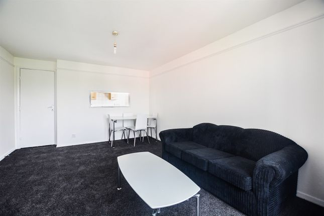 (Main) (Main) of Acanthus Drive, London SE1