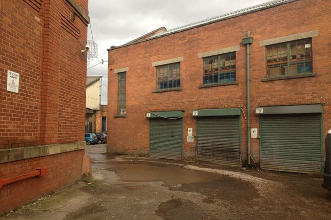 Parking/garage to let in Cobden Street, Salford