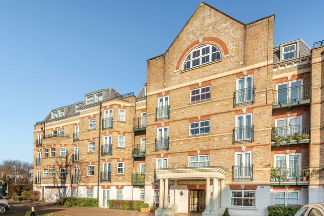 The Vale, London W3