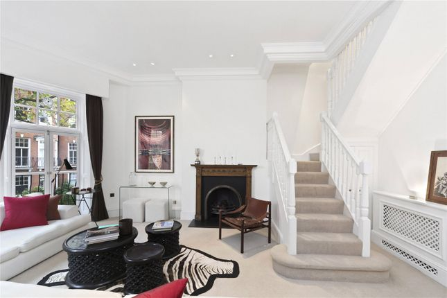 Picture No. 10 of Sloane Court East, London SW3