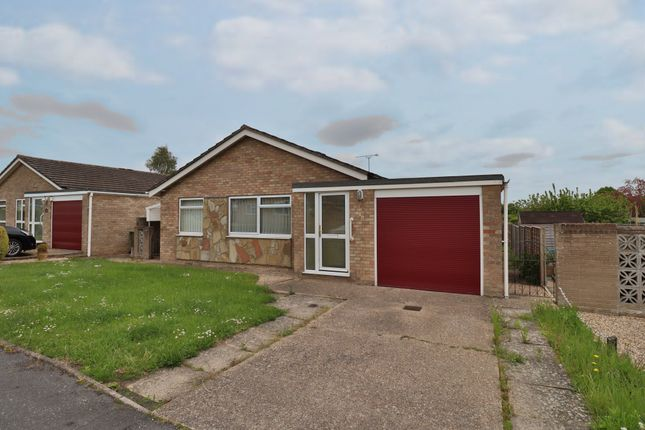 3 bed detached bungalow for sale in Hawk Crescent, Diss IP22