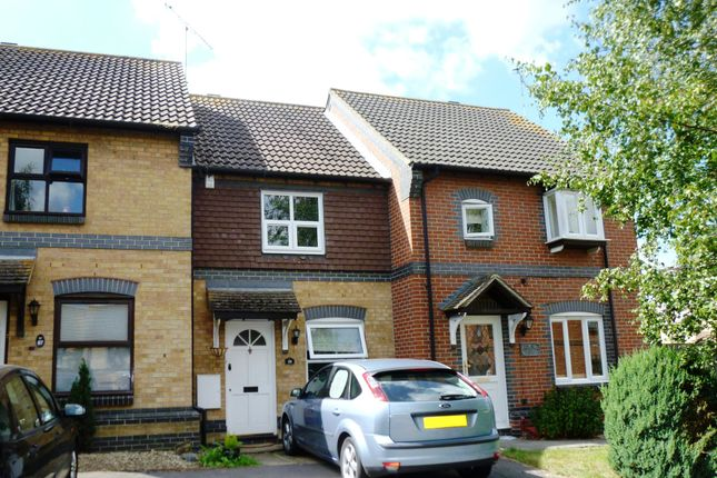 2 bed terraced house to rent in Langham Drive, Rayleigh, Essex SS6