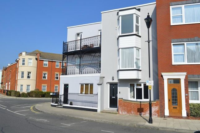Thumbnail Terraced house to rent in High Street, Portsmouth