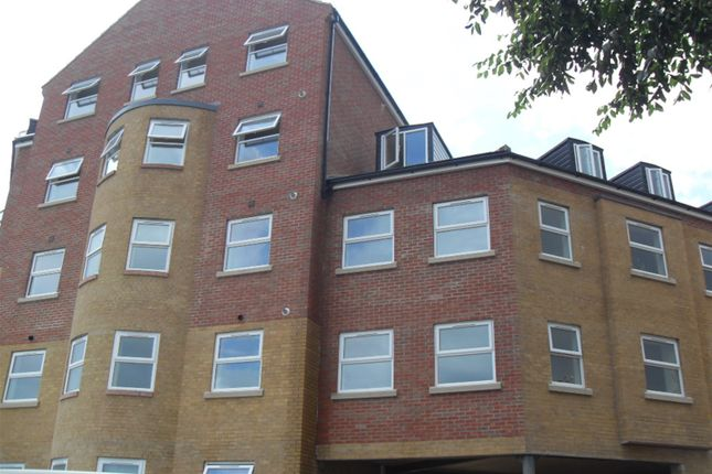 Thumbnail Flat to rent in Sterling Court, Halfpenny Lane, Pontefract