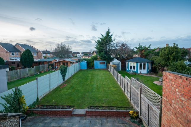 Thumbnail Semi-detached house to rent in Brentwood Road, Gidea Park