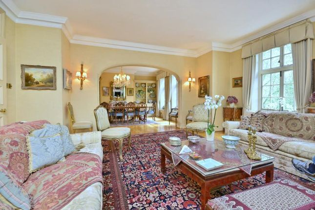 Thumbnail Flat to rent in Hanover House, St Johns Wood, London