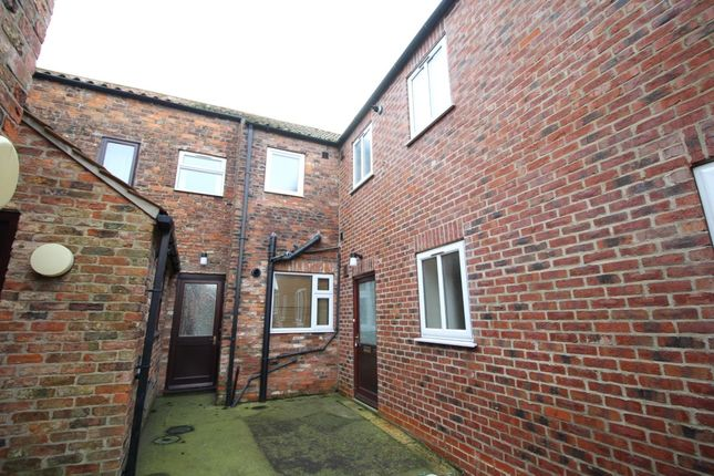 Thumbnail Flat to rent in B Flatgate, Howden, Goole