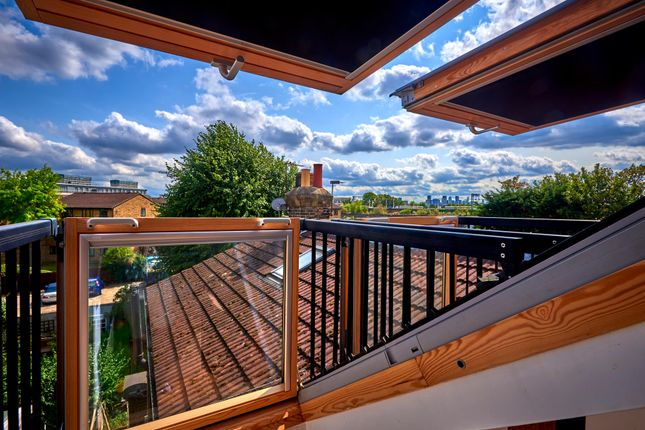 Thumbnail Flat for sale in Harold Road, Leytonstone, London