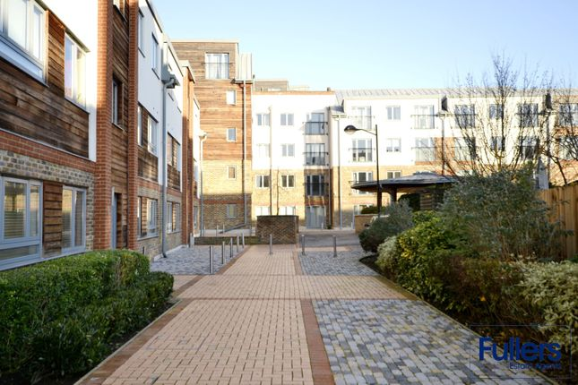 Thumbnail Flat to rent in The Waterfront, Hertfordshire
