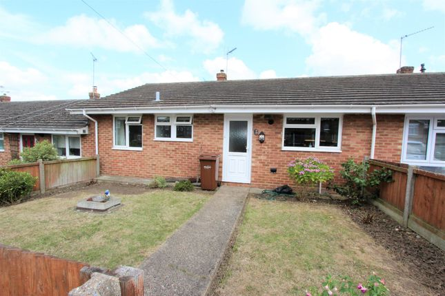 Thumbnail Terraced bungalow to rent in Long Catlis Road, Parkwood, Rainham