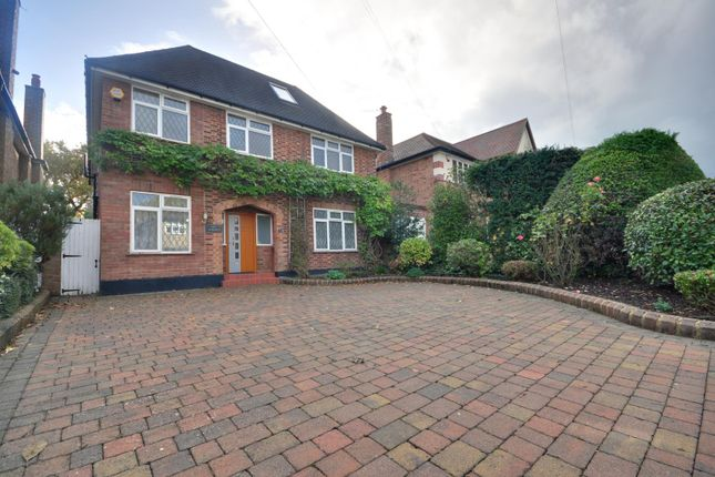 Thumbnail Detached house to rent in Chiltern Road, Pinner, Middlesex