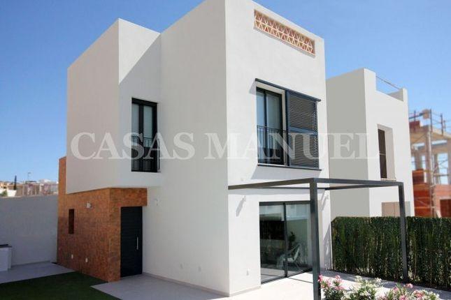 Villa for sale in Benijofar, Benijófar, Alicante, Valencia, Spain