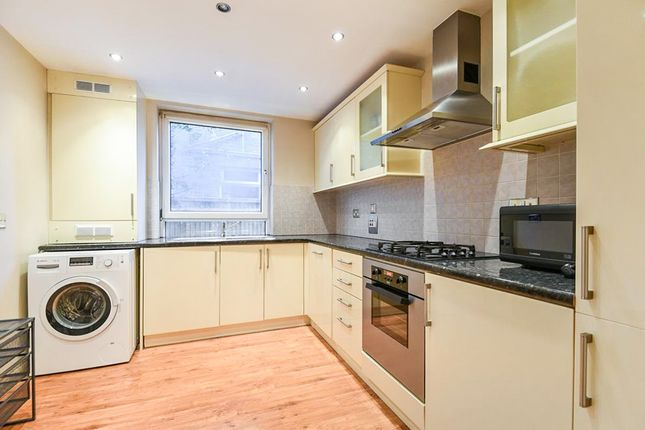 Thumbnail Flat for sale in Thornton Avenue, London