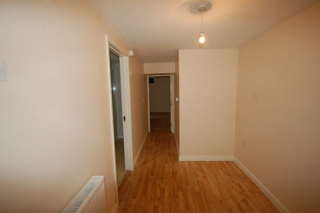 Thumbnail Flat to rent in Upper Frog Street, Tenby