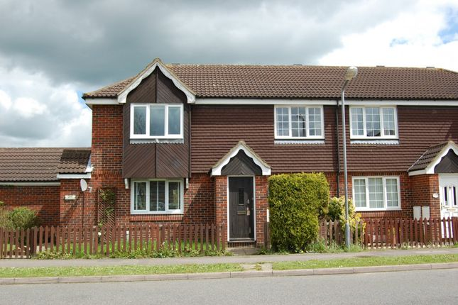2 bed property to rent in Oldhams Meadow, Aylesbury