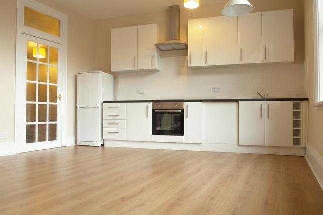 Thumbnail Flat to rent in Queen Street, Morley, Leeds