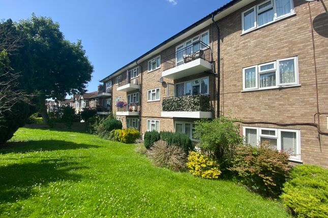 Room to rent in Wrigley Close, The Avenue, London E4