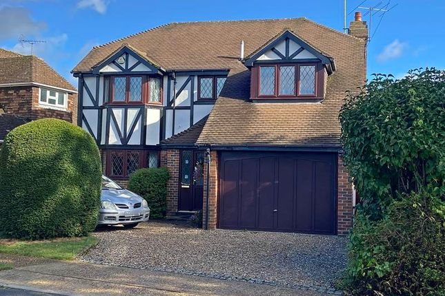Thumbnail Detached house for sale in Chalklands, Bourne End