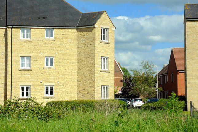 Thumbnail Flat for sale in 11 Oake Woods, Gillingham, Dorset