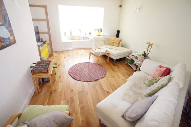 Thumbnail Property to rent in Yardley Close, London