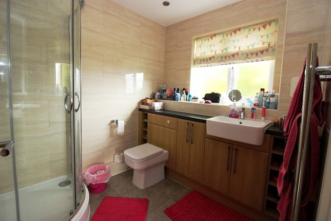 En Suite of London Road, West Kingsdown TN15