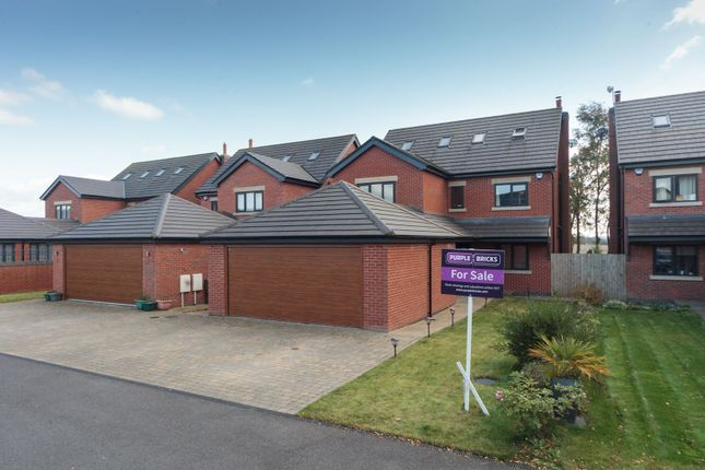 Thumbnail Detached house for sale in Pennington Close, Crawford Village