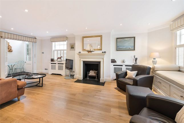 Thumbnail Mews house to rent in Groom Place, Belgravia, London