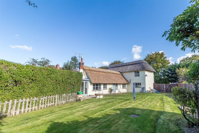 Thumbnail Cottage for sale in Lodge Road, Whistley Green, Hurst, Reading