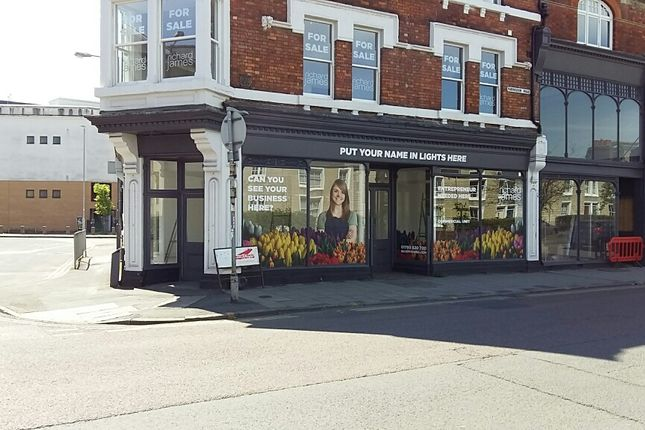 Thumbnail Retail premises for sale in Faringdon Road, Swindon