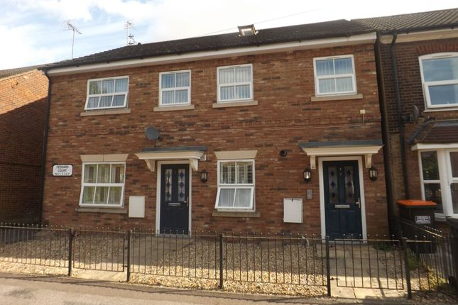 Thumbnail Flat for sale in Victoria Street, Dunstable