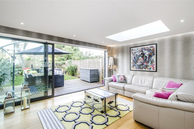 4 bed property for sale in Brodrick Road, London