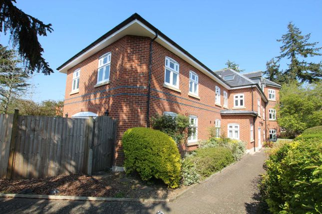 3 bed flat for sale in Richmond Road, Caversham Heights, Reading RG4