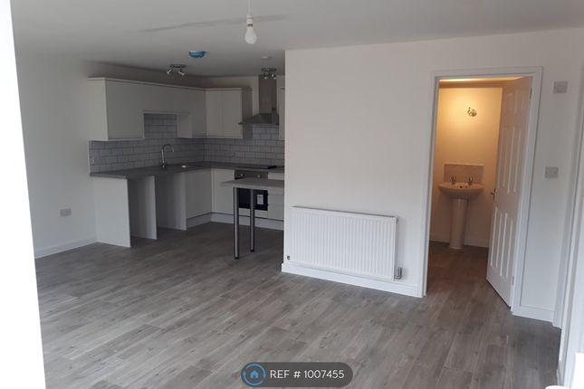 2 bed flat to rent in Tydeman St, Swindon SN2