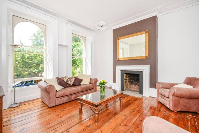 Thumbnail Flat for sale in Copthall Gardens, Twickenham
