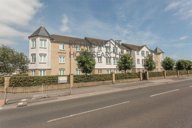 Thumbnail Flat to rent in London Road, Hadleigh, Benfleet