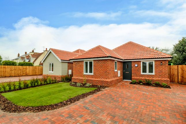 Thumbnail Bungalow for sale in Colchester Main Road, Alresford, Colchester