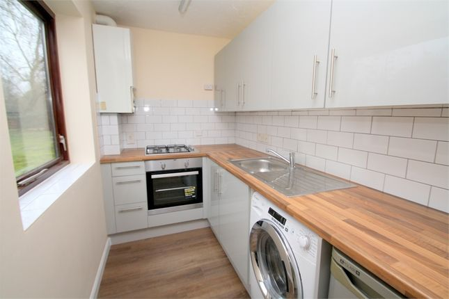 Studio to rent in Gresham Road, Staines, Middlesex TW18