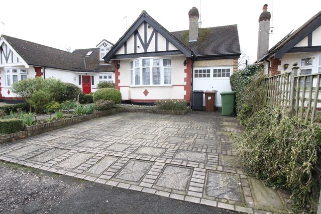 2 bed semi-detached bungalow to rent in Elmroyd Avenue, Potters Bar EN6